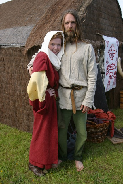 Picture of a Viking mana and his wife standing outside their hut. Copyright: John Doherty Northern Ireland. With thanks for allowing us to use this picture.