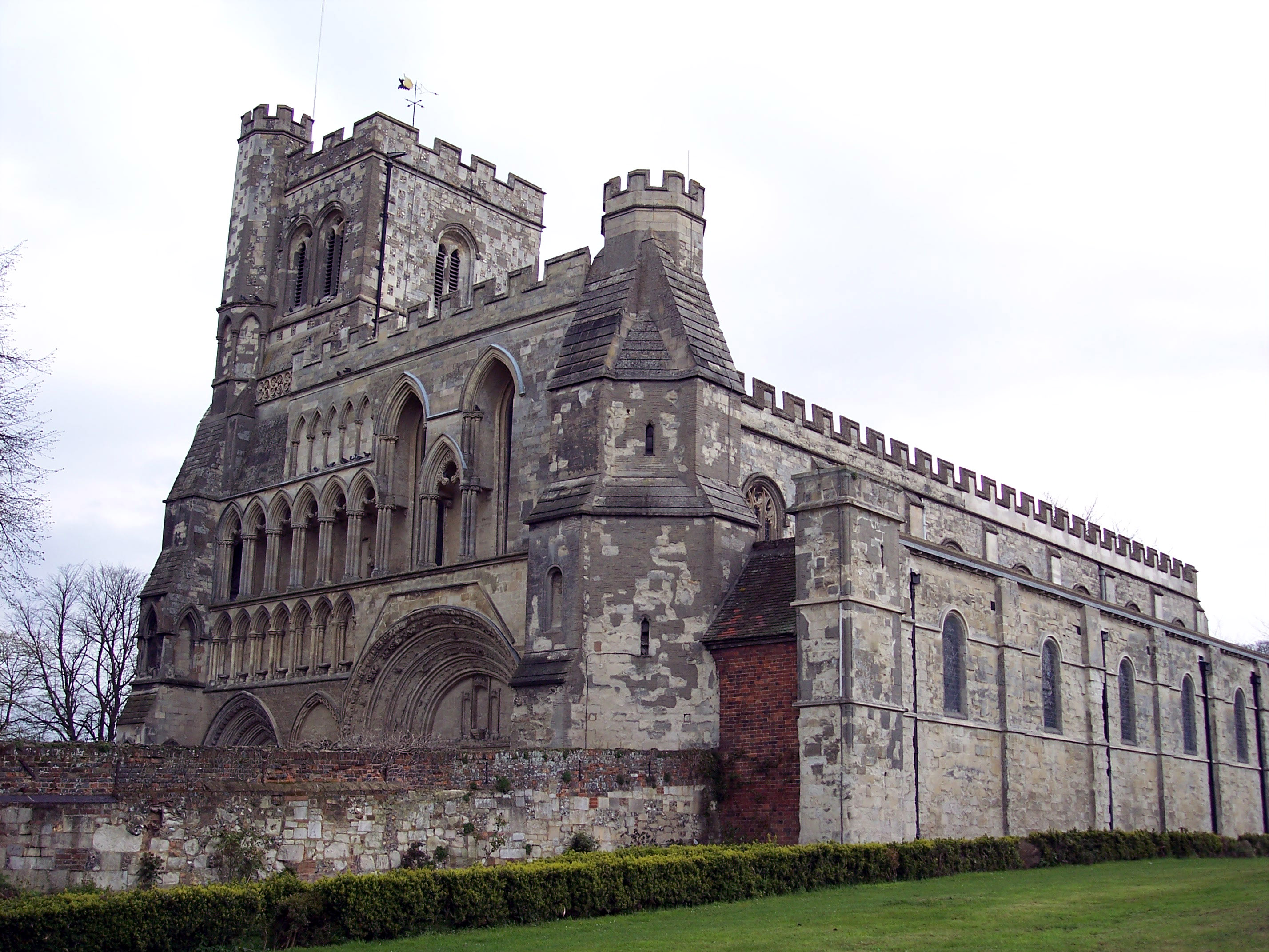 Part of the former Dunstable Priory, originally founded by Henry I in 1131.  Home to an order of canons who ruled the town.  They possessed power of life and death, had their own priory gaol and they sat as judges with the king's justices.  Many people were tired on a variety of crimes, including wi...