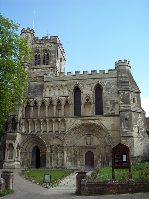 Part of the former Dunstable Priory, originally founded by Henry I. Home to an order of canons who ruled the town. They possessed power of life and death, had their own priory gaol and they sat as judges with the king's justices. Many people were tired on a variety of crimes and the Cannons became v...