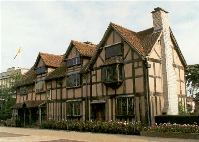 William Shakespeare was born in Henley Street, Stratford-upon-Avon in Warwickshire in 1564 in the house shown in the photograph to the right.