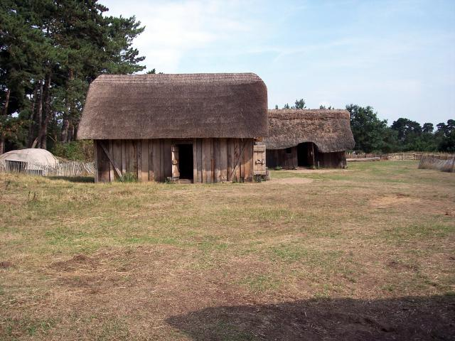Anglo-Saxon families were often large with many children. For the family slaves, life was very hard and the results of their hard work was enjoyed by others. This picture shows a reconstruction the type of houses they may have lived in, in the 5th and 6th centuries.