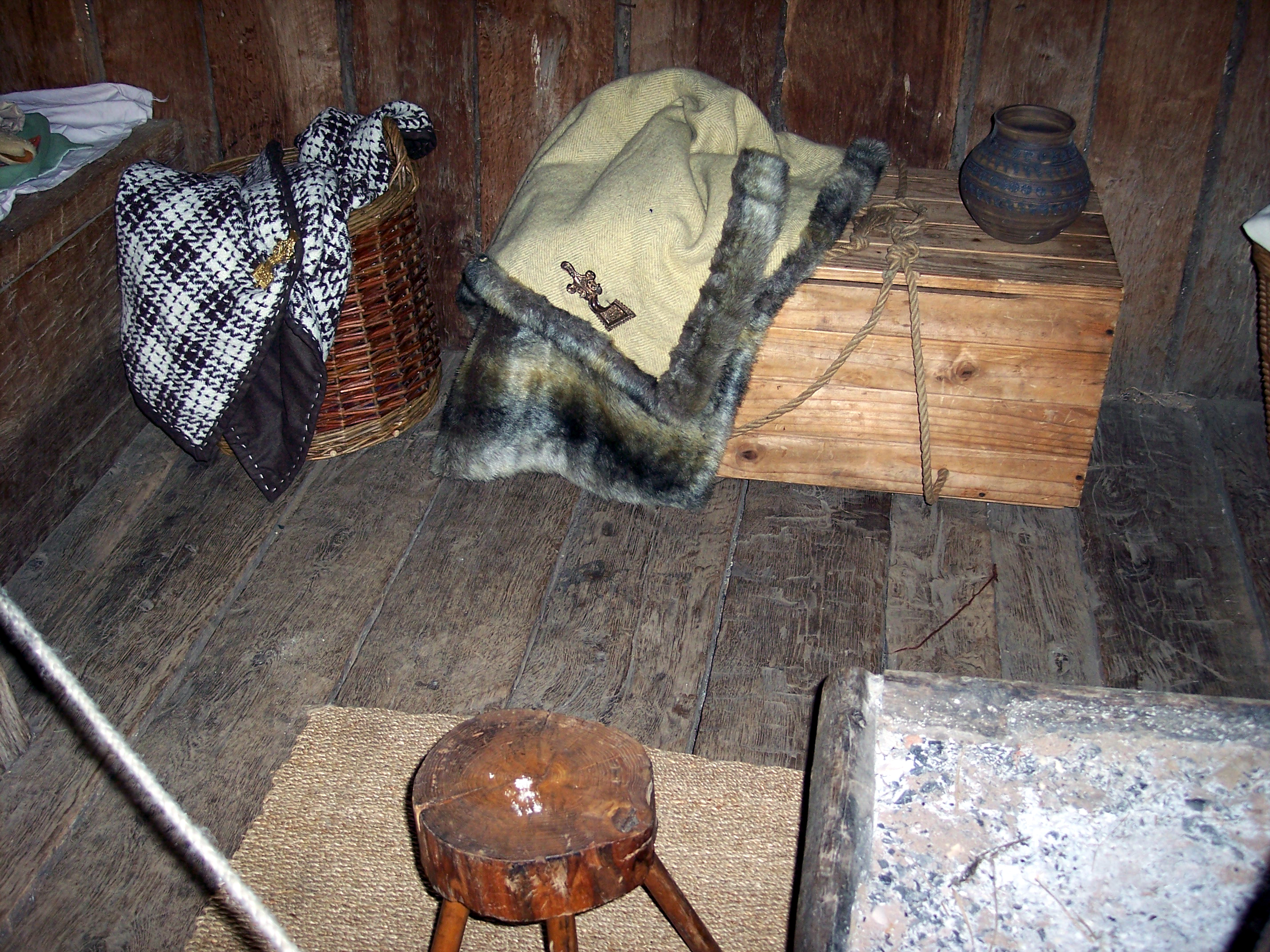 The friend house or living home was built in 1987. It is a six post house. It present ideas about the furniture and layout of those houses used as family homes. It has furnishing and fittings that may have been found in an Anglo Saxon home.  So little is known, that nobody is sure if this is an accu...
