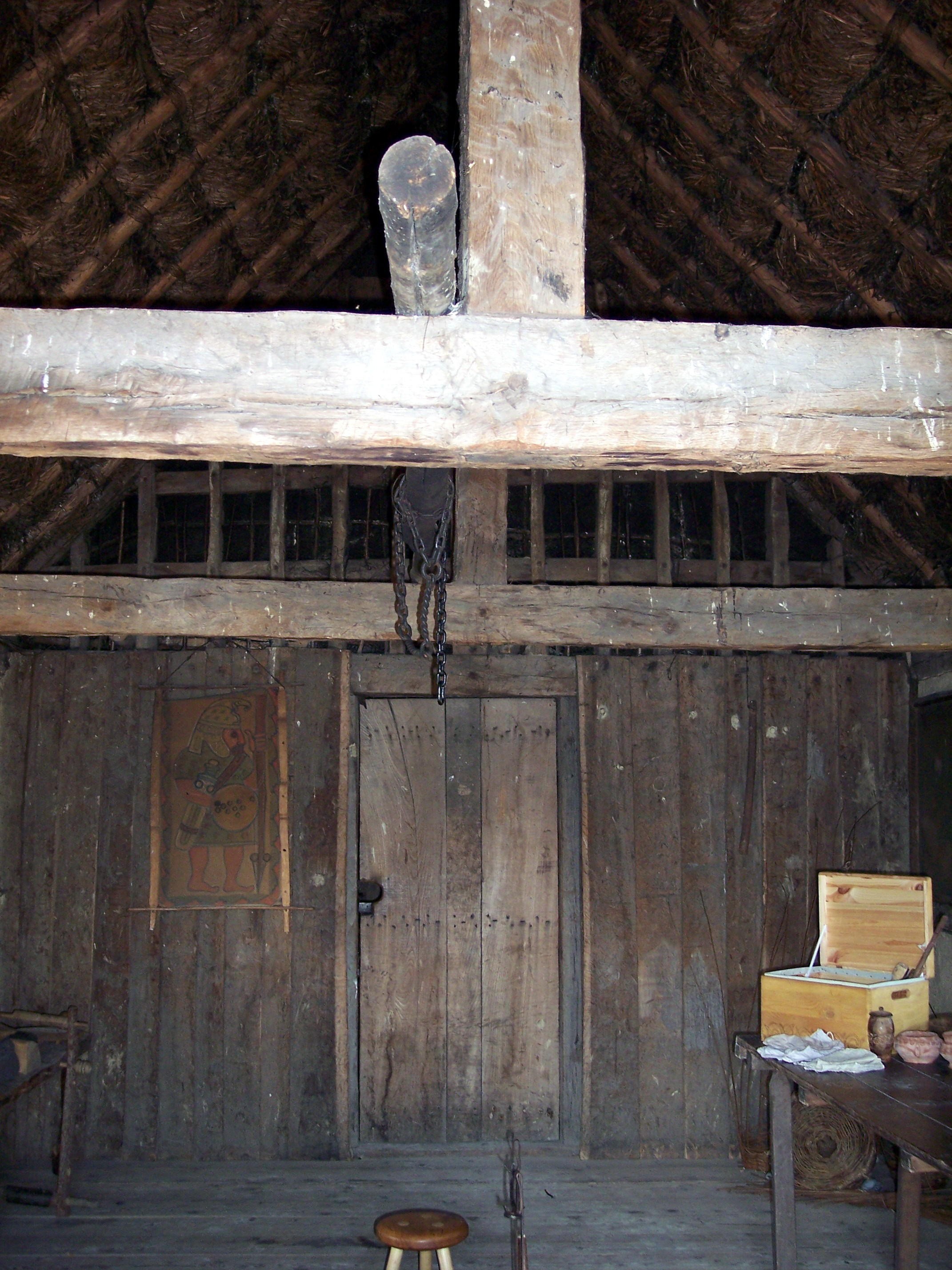 There is no direct evidence for a building like this at West Stow, but it is based upon actual buildings from the end of this period. The workshop was built in 1991 to meet some present day needs at the site. It has an oak framework with infill of wattle and clay.