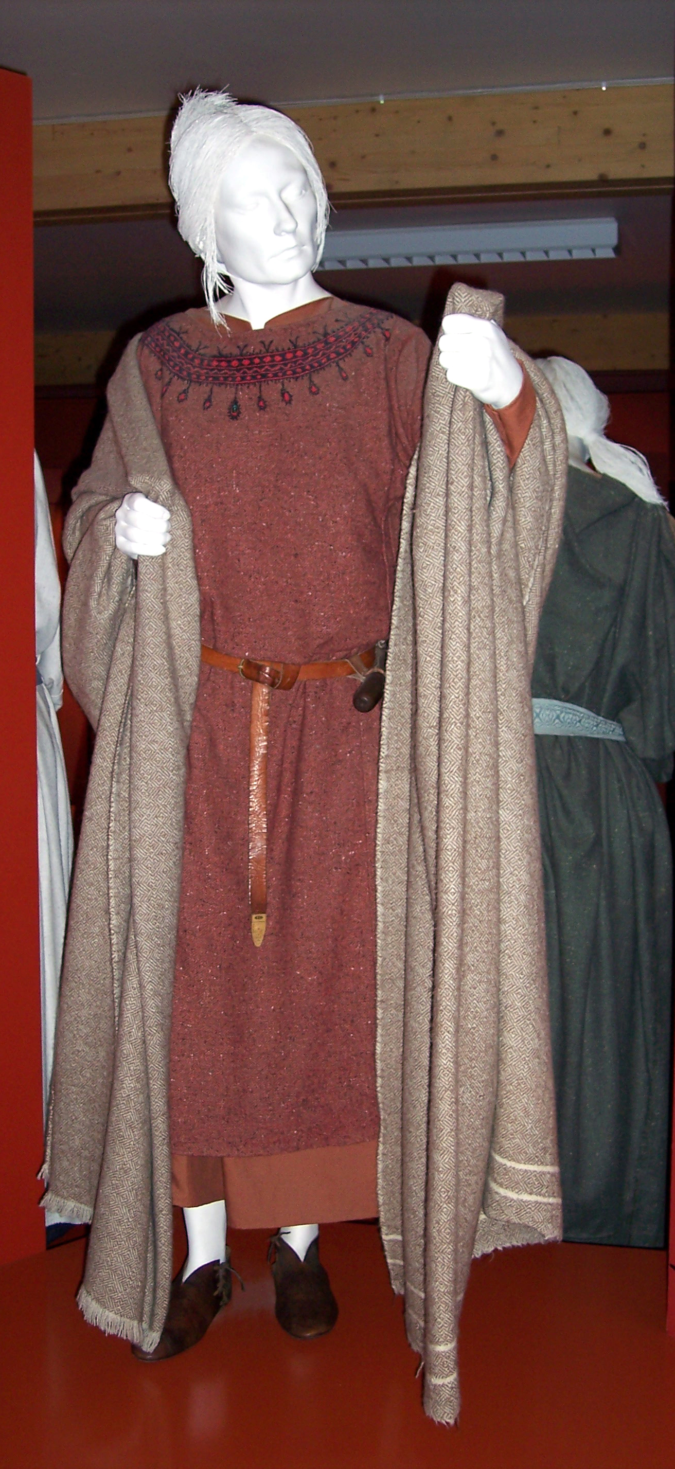 Anglo-Saxon Clothing: NEN Gallery