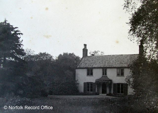 This is a photograph of the front of Geldeston Rectory. It is owned by a middle class family. They have a large garden and a fairly big home, but not as grand and large as some of the homes owned by wealthy families.