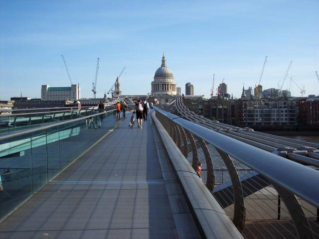 Millennium Bridge, London : NEN Gallery