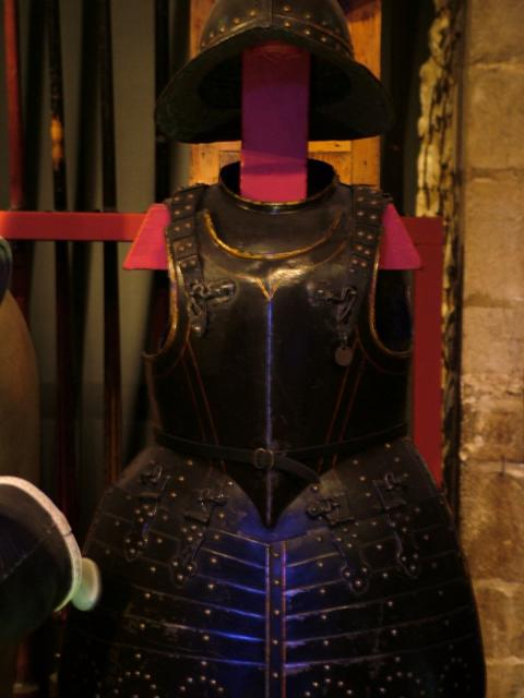 The armoury at the Tower of London includes a collection of reconstructions of the suits of armour worn by many English monarchs. Alongside them stand models of many of their horses.