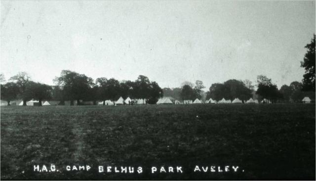 Sir Barrett-Lennard allowed the deer park around Belhus Mansion to be used as a military camp during the Great War. Here you can see some of the bell tents where the soldiers stayed.