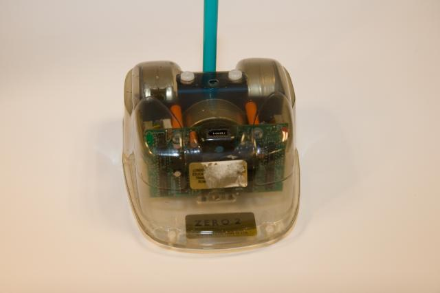 Zero 2 Microbot. Small robot, controlled via any RS232 port on your computer. Made in 1985 by Intergalactic Robots Ltd.