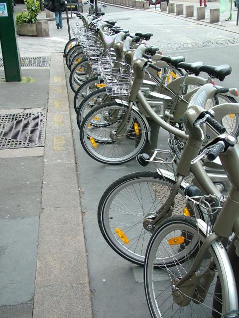 In many places in Paris you will see rows of bicycles fixed to posts. These bikes can be borrowed for a small price and returned to another location. These bikes were outside the large shopping centre at Les Halles.