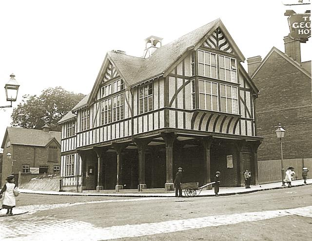 Tring Market House relocated to the centre of the town on the corner of Akeman Street and the High Street where it stands today.