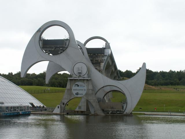 The Falkirk Wheel is an exceptional feat of modern engineering and is already being recognised as an inspirational sculpture for the 21st Century. 