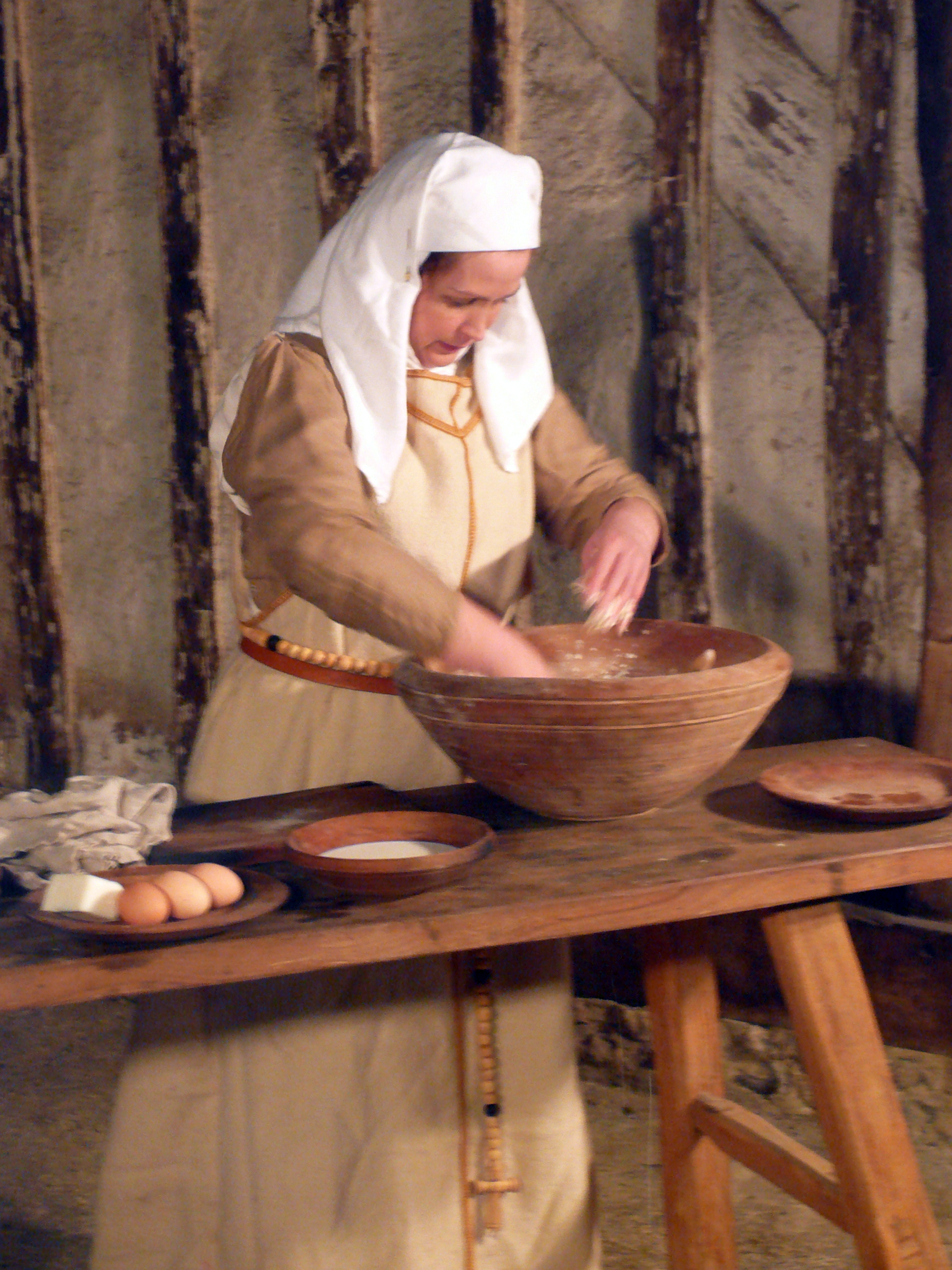 Medieval cook: E2BN Gallery