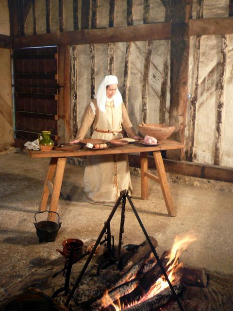A modern demonstration of medieval cooking.