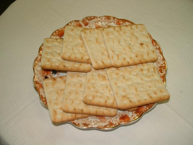 Cream crackers first appeared in 1885.