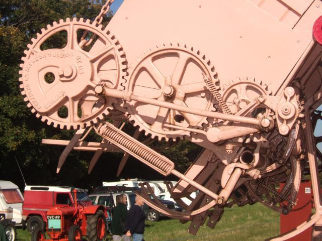 Pulleys Key Stage 2 : Gear wheels on the threshing machine nen gallery