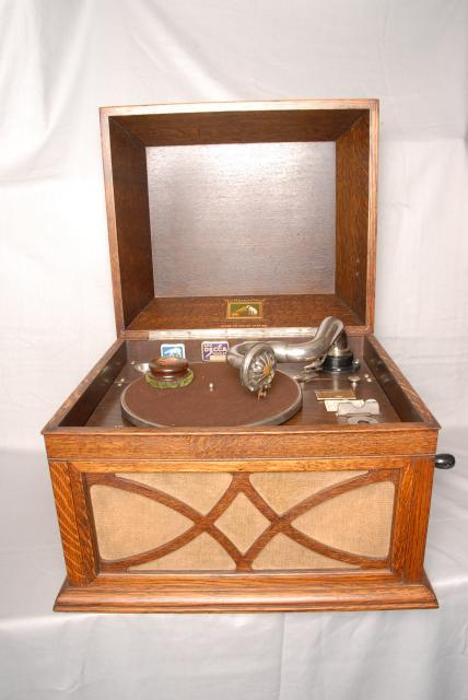 Famous style Gramophone from before WW2 and used well after. 78rpm records did not cease until the 1960's.
