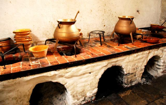 hampton court kitchen stoves