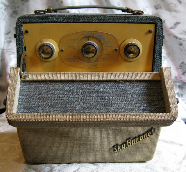 In 1942 Ever Ready began to build radios for the civilian market. More space was still required and so the radio department. In 1957 the company produced the Sky Leader, which was Ever Ready's first transistorized receiver. A series of radios were produced over the next few years, this one the Sky B...