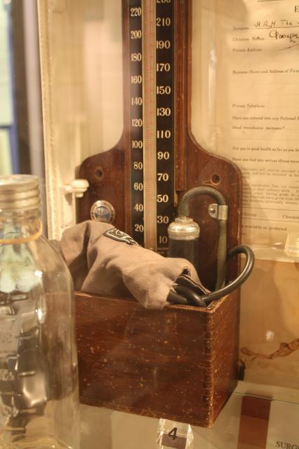 Made by Accoson and used at the London Hospital to measure blood pressure. 