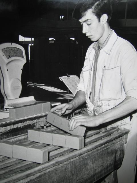 Soap manufacturing at the West Thurrock factory later to be taken over by Proctor and Gamble. 1960's