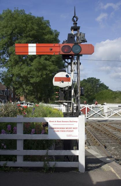 Platform Starter signal (on the Kent and East Sussex Railway)