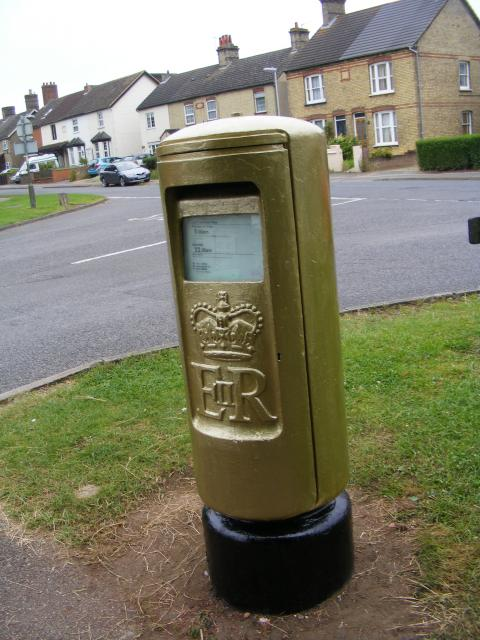 Postbox marking 2012 Gold Medal for female track cyclist Victoria Pendleton