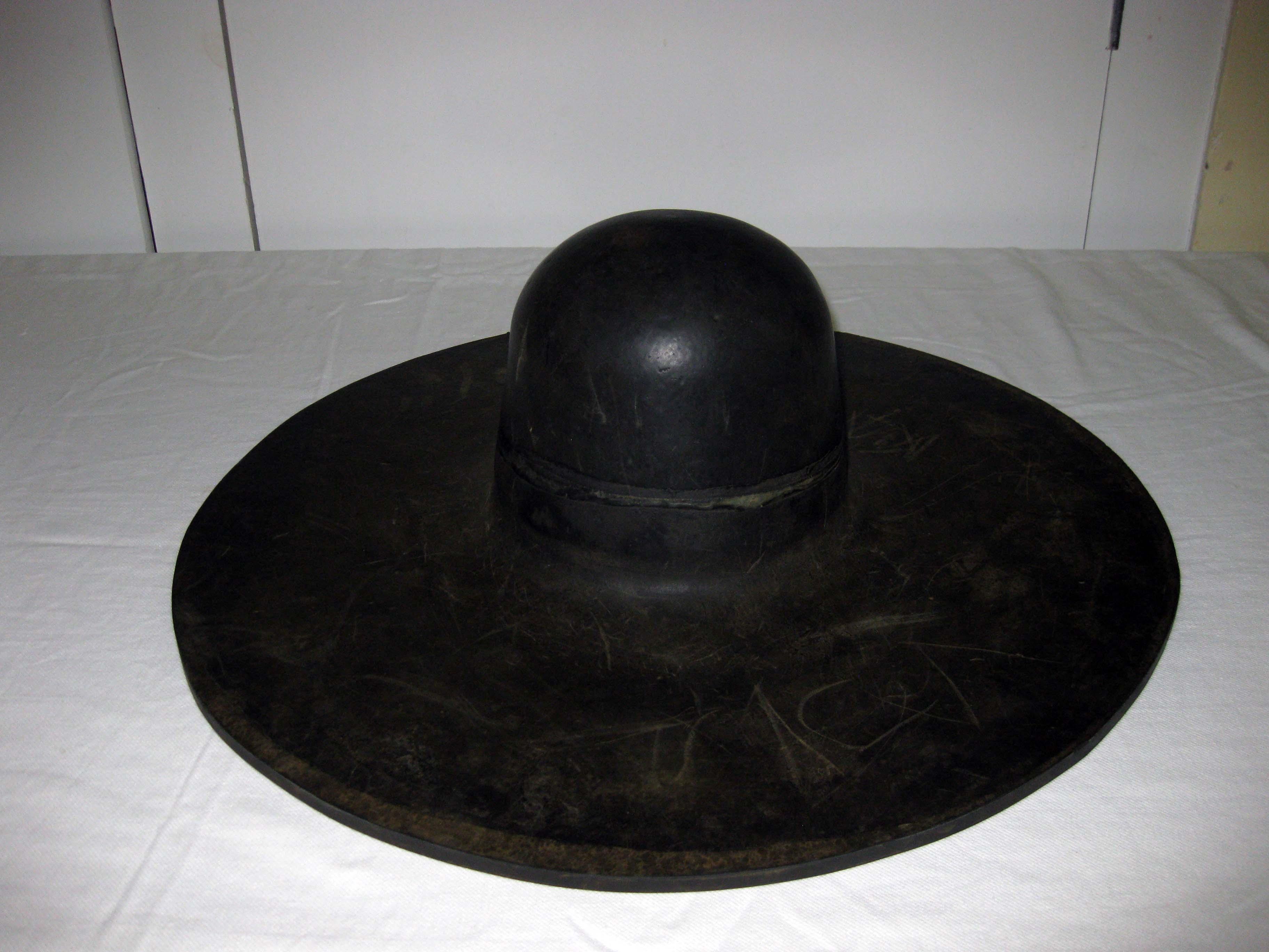 hat blocking machine