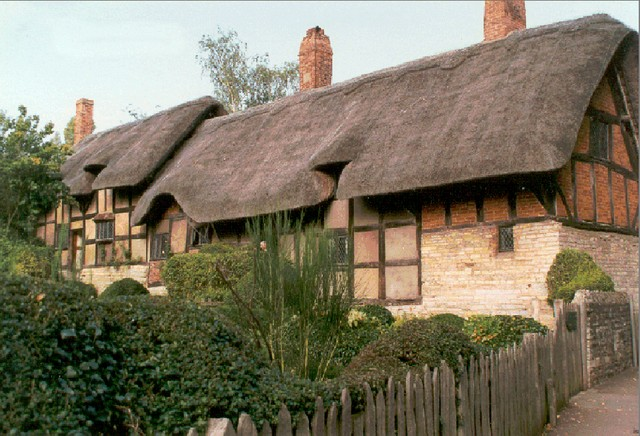 cottage - On 27th November 1582 Shakespeare married Anne Hathaway. Anne
